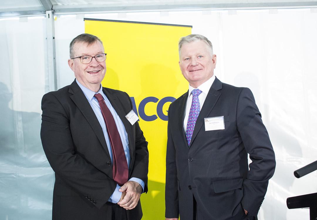 Peter Whitelaw, Chairman, QT Mutual Bank with Ian Gillespie, CEO, RACQ (Photographer: Chris Gleisner)